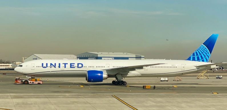 United closes mask policy loophole during meal service