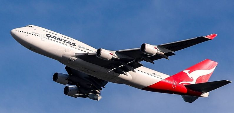 Qantas put fully stocked bar carts from its retired 747s up for sale for more than $1,000, and they're already all sold out