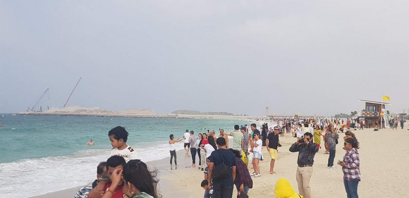 Over 700 Dubai beachgoers cautioned for coronavirus violations
