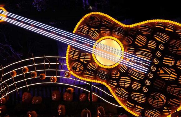 Dollywood's Harvest Festival Is the Ultimate Autumn Theme Park Experience