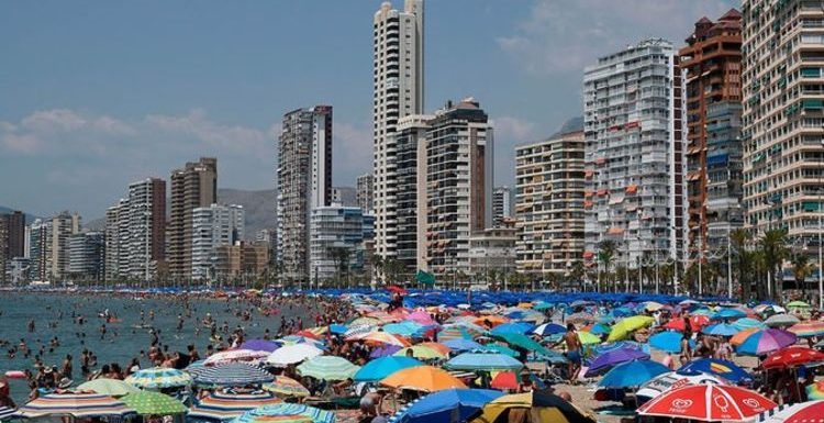 Spain warning: Benidorm in crisis as around 200 shops close – 'Only 50% will survive'
