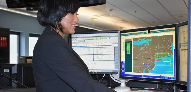 Ask the Captain: What do airline dispatchers do? Why are first officers on international flights older?