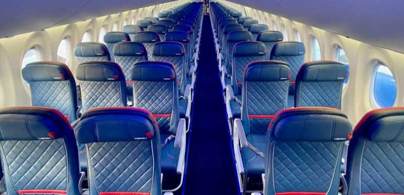 Delta Air Lines extends seat-blocking through March 2021