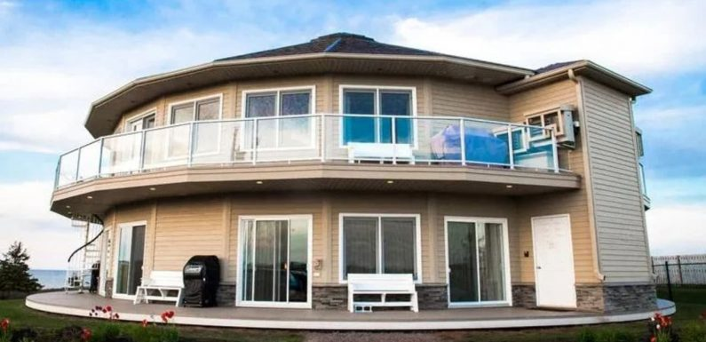Canada holidays: Inside Around The Sea spinning holiday home | Photos