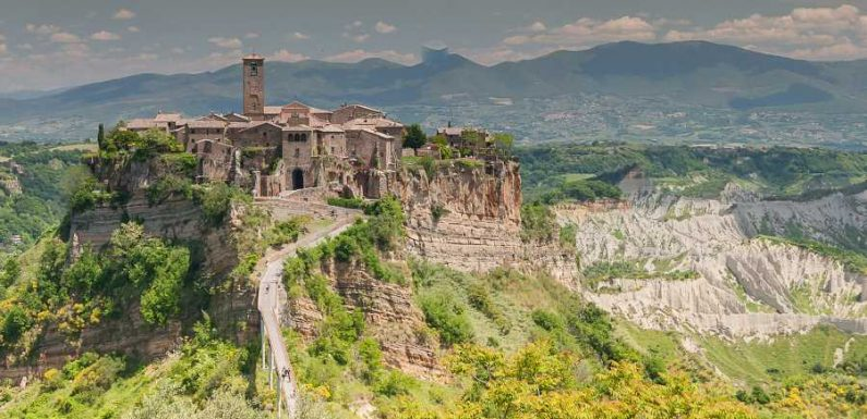 10 Places Where Italians Travel in Italy, According to a Local