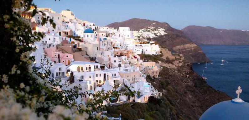 Petros G. Zissimos' 14-day Itinerary To The Greek Islands