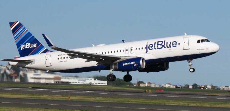 JetBlue Will 'Phase Out' Blocking of Middle Seats As Holiday Travel Approaches, President Confirms