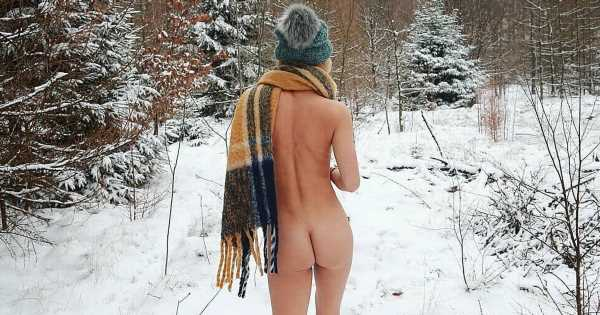 Nudist braves snow in the buff as she enjoys naked skiing holiday on the slopes