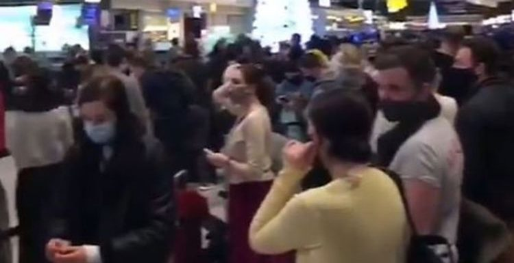 Brits STRANDED in Heathrow airport CHAOS as borders slam shut amid new coronavirus strain