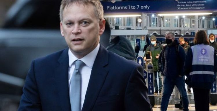 Grant Shapps vows to refund passengers with cancelled Christmas train & coach travel