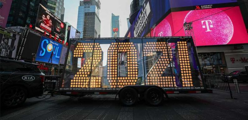 The 2021 Numerals Have Arrived in Times Square — Now's Your Chance to Get a Photo With Them