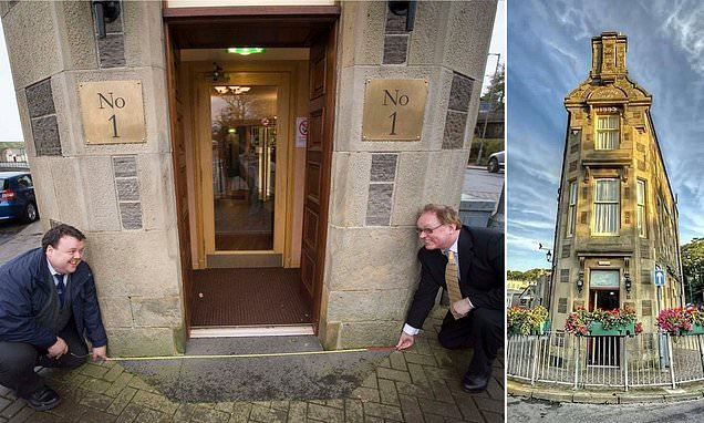 Pictured: The street in Scotland that is the world's shortest
