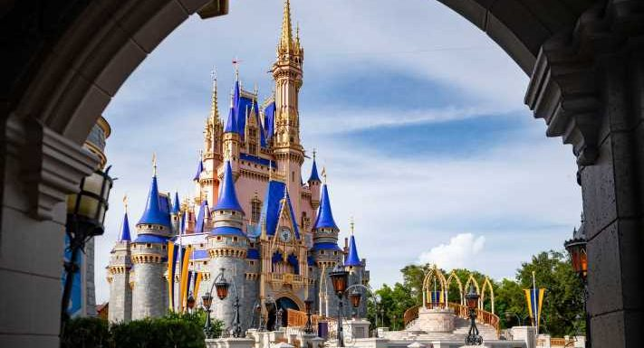 Disney World shutting down free Magical Express bus service from airport to hotels in 2022