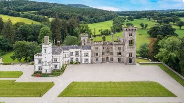 These Real-Life Castles Feel Like an Episode of Bridgerton—and You Can Rent Them