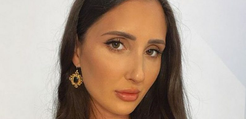 OnlyFans model 'shamed and humiliated' after she's told to cover up on flight