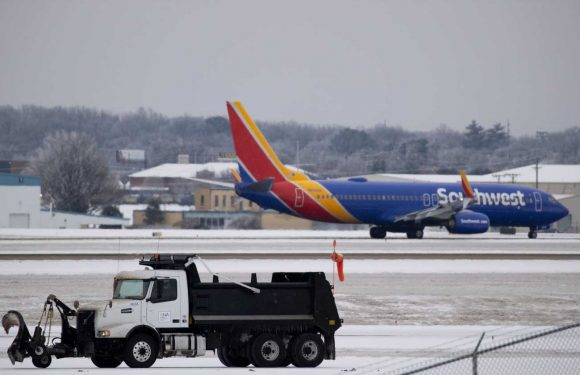 Winter storm: 2,500-plus flights canceled; Austin airport reopens as Delta extends waivers