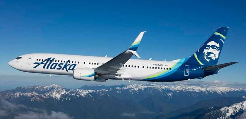 Need a Last-minute Valentine's Day Gift? Alaska Airlines Flights Are 30% Off This Weekend