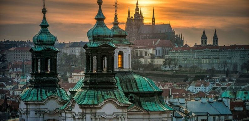 See what it's like to visit Prague on this virtual tour