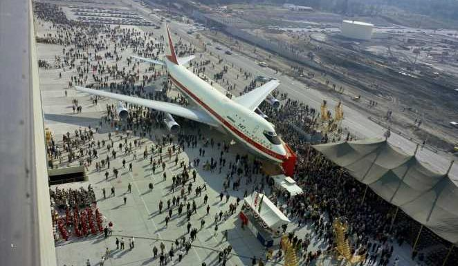 How the Boeing 747 Changed the Way Airplanes Are Designed
