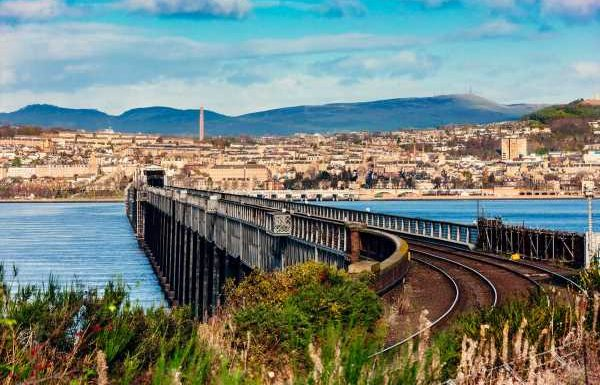 How Dundee went from 'Scumdee' to cultural heavyweight #hometowns