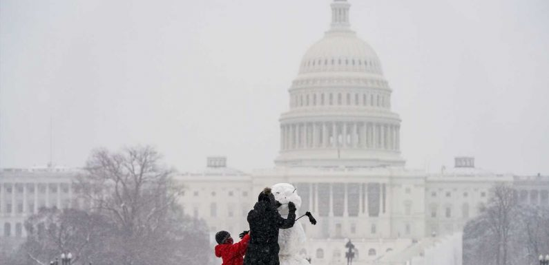1,400+ flights canceled Monday as airlines issue waivers due to mid-Atlantic snowstorm