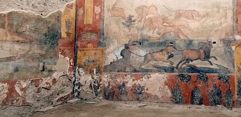 Restored 2nd-century Frescoes in Pompeii Reveal Vibrant Colors and Scenes