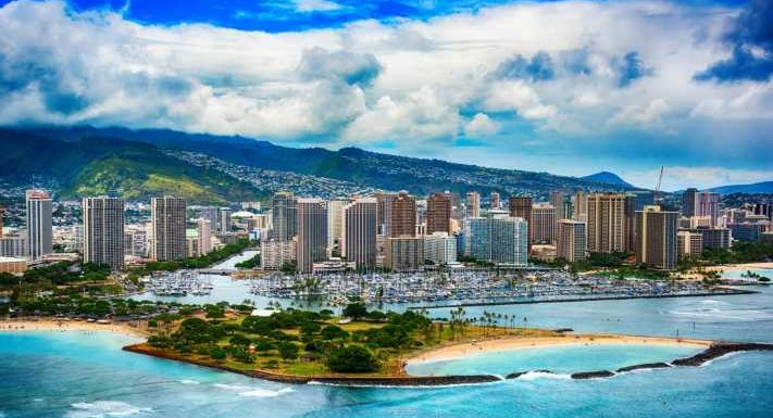 Hawaii lawmakers may standardized COVID travel restrictions across islands