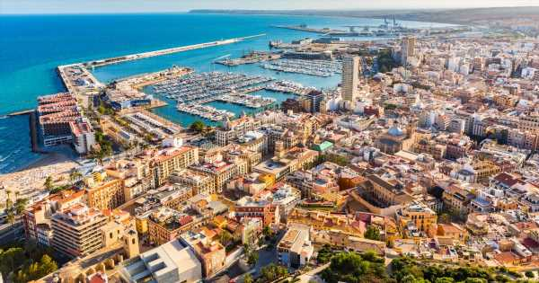 Brits warned travel into Spain 'won't be allowed until end of this summer'