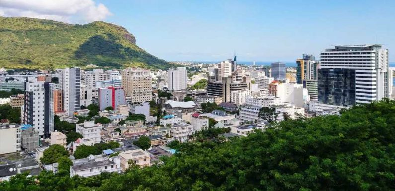Mauritius Will Provide Free COVID-19 Vaccines to Long-term Visitors