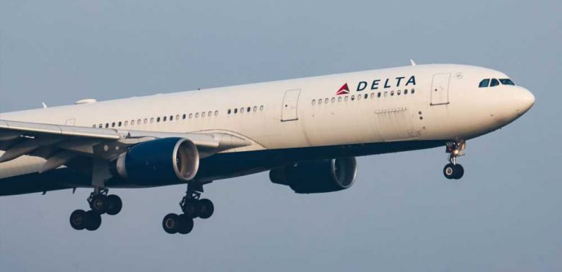 Delta Cancels About 100 Flights on Easter Sunday, Temporarily Fills Middle Seats to Alleviate Travel Disruptions