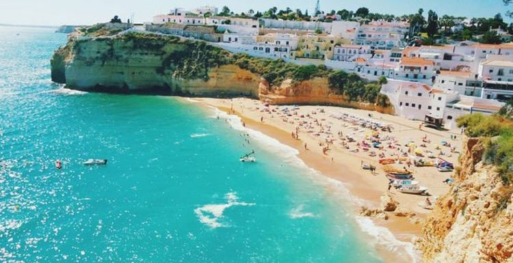 Algarve holidays: Portugal set for heatwave as first UK tourists arrive at Faro airport