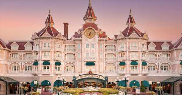 Disneyland Paris to give its iconic hotel a magical royal-themed makeover