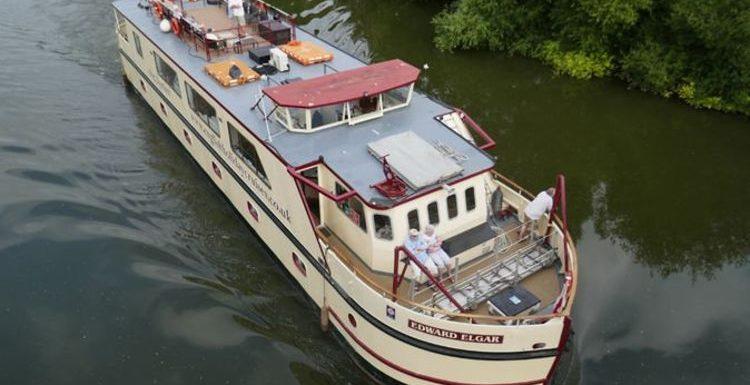 Edward Elgar: Enjoy an English river cruise on an elegant vintage looking ship