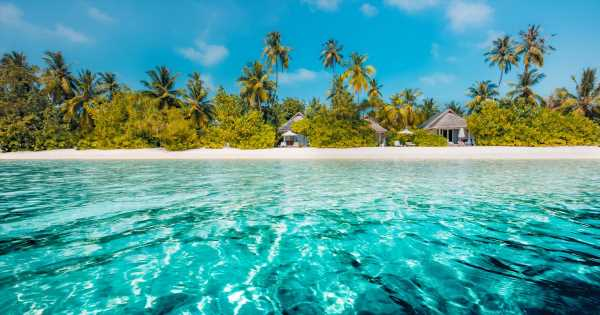 Family hiring couple to manage private island in the Bahamas for £90,000 a year