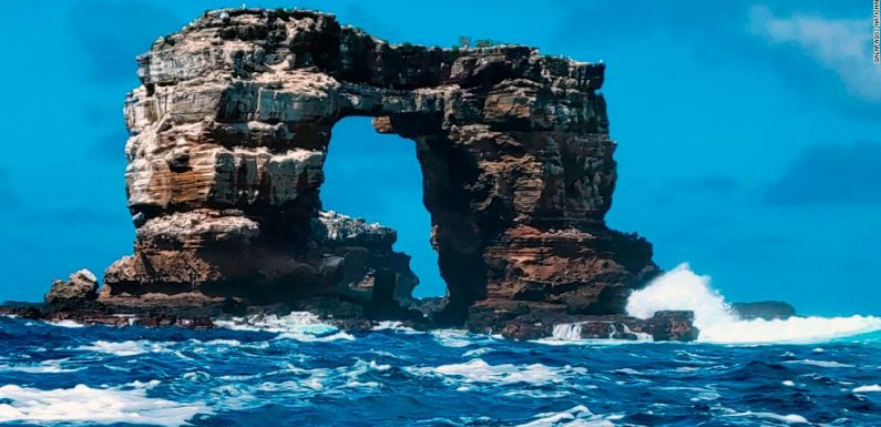 Galapagos rock formation Darwin's Arch has collapsed