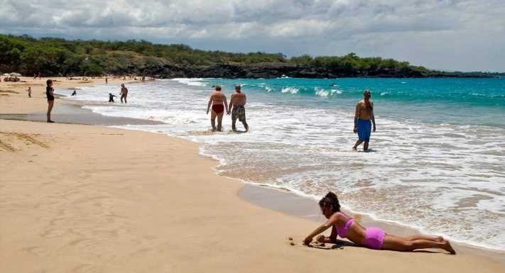 'I've never seen sand so white in my life': 'Dr. Beach' picks Hawaii beach as best in US