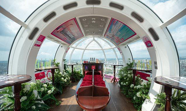 London Eye transforms a pod into a PUB
