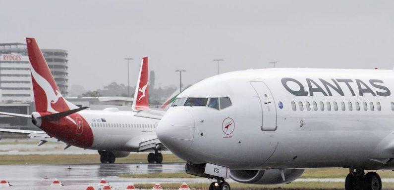 Qantas delays start to international travel