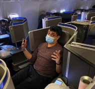 Quick review of the United Airlines business class seat you can book to Hawaii for 12,500 miles