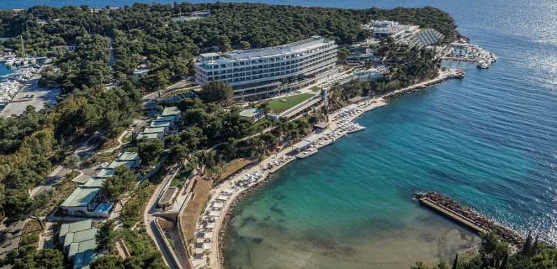 The Athens Riviera Is Returning to a World-Renowned Beachfront Destination