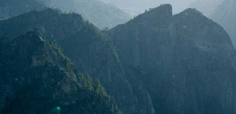 Adventurous Brothers Claim Yosemite Record With a 2,800-foot Highline Walk – at 1,600 Feet in the Air