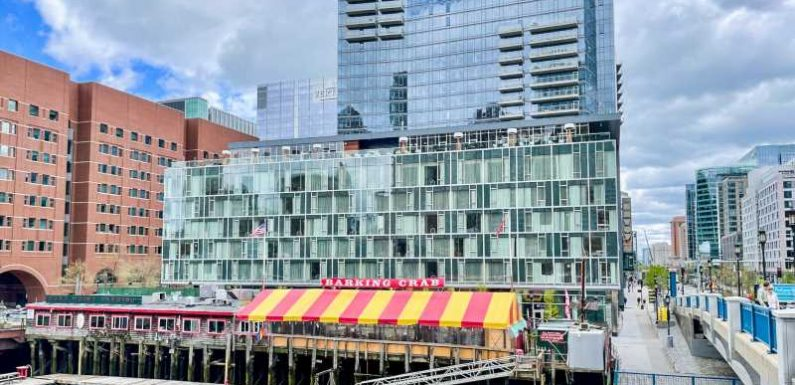 Chic but expensive: The pros and cons of the Envoy Hotel, Autograph Collection, in Boston