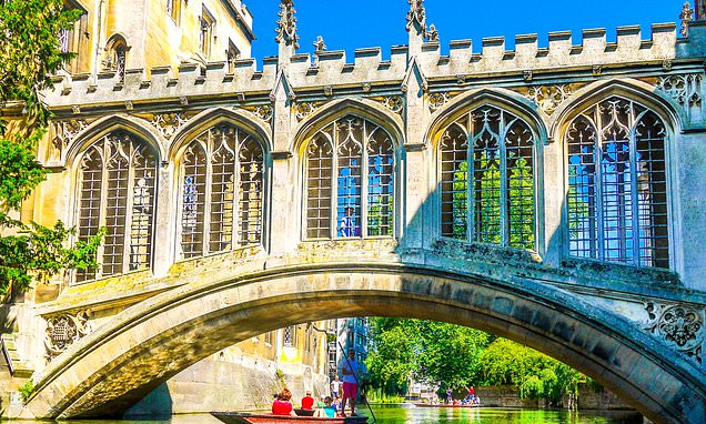 Discovering the joys of punting in Cambridge