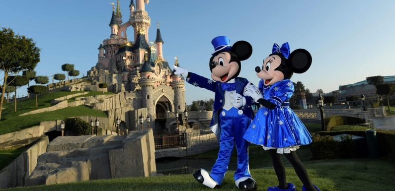 Frontline workers can get new discount on Disney holidays to Paris or Orlando