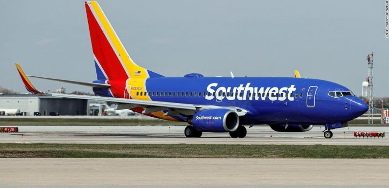 Internet outage: Airlines and bank websites go down in another major failure