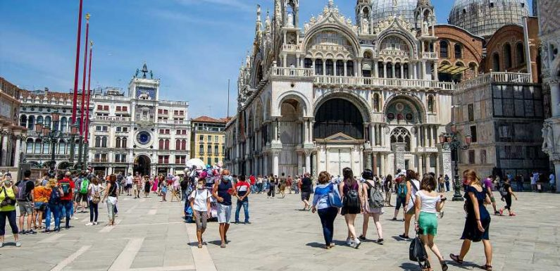 Italy Welcomes Vaccinated US Tourists Without Quarantining As It Eases Travel Restrictions