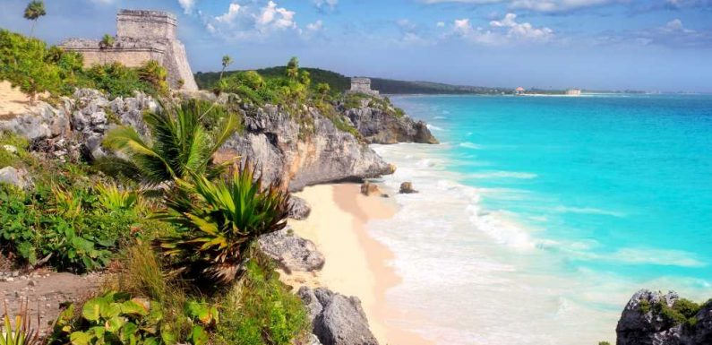 "Mexico's Caribbean coast at ""imminent risk"" of lockdown"