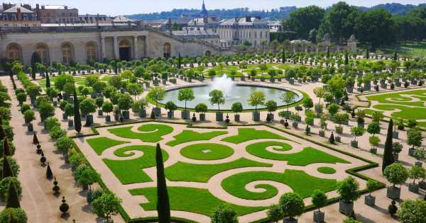Palace of Versailles opens new ultra-luxury hotel with after hours access