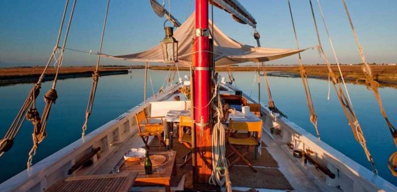 This Flat-bottomed Fishing Boat Is the Most Authentic – and Delicious – Way to Explore Venice