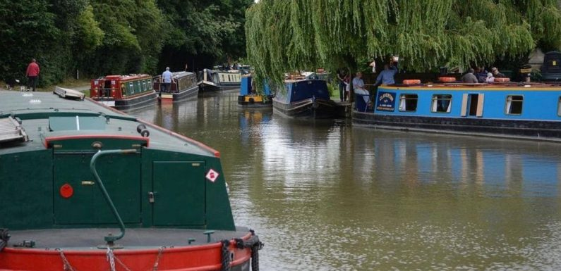 Tips for planning your fist narrowboat staycation – from clothes to pub trips